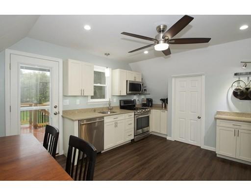 独户住宅 为 出租 在 216 Central Street 216 Central Street Rockland, 马萨诸塞州 02370 美国