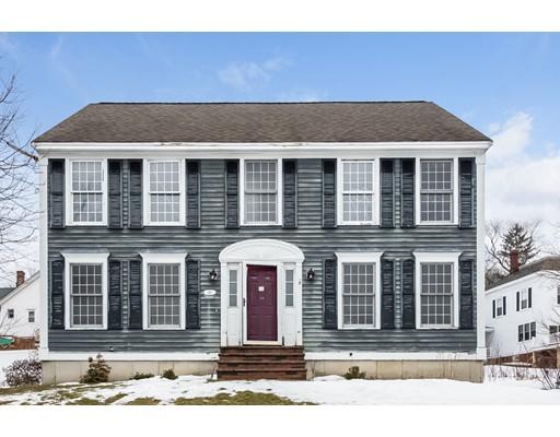 独户住宅 为 销售 在 46 Oakland Street 46 Oakland Street Amesbury, 马萨诸塞州 01913 美国