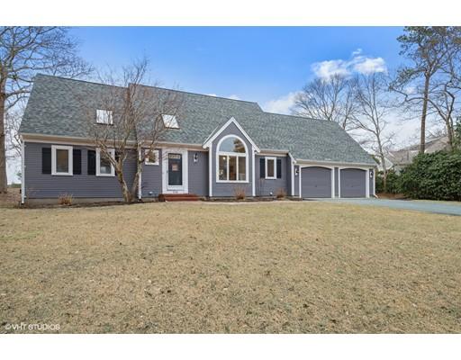 独户住宅 为 销售 在 228 Olde Homestead 228 Olde Homestead 巴恩斯特布, 马萨诸塞州 02648 美国