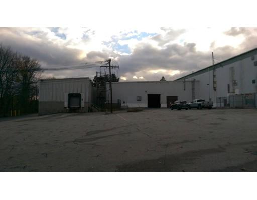 Commercial pour l à louer à 1537 Grafton Road 1537 Grafton Road Millbury, Massachusetts 01527 États-Unis