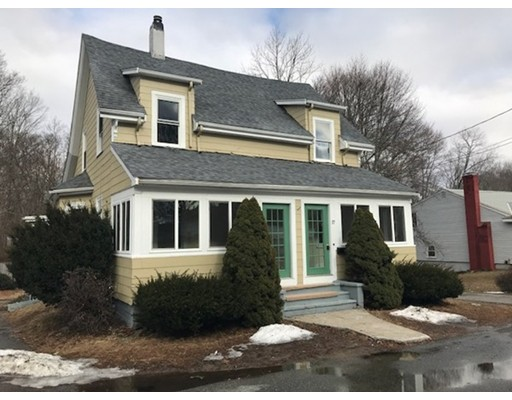 多户住宅 为 销售 在 17 Moraine Place 17 Moraine Place 布罗克顿, 马萨诸塞州 02301 美国
