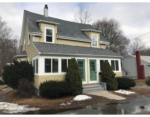 Casa Multifamiliar por un Venta en 17 Moraine Place 17 Moraine Place Brockton, Massachusetts 02301 Estados Unidos