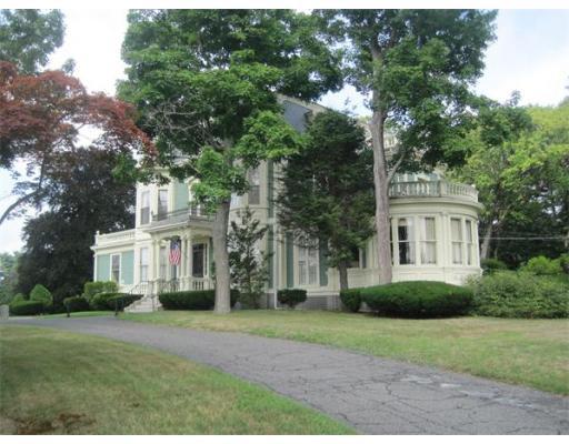 Single Family Home for Sale at 289 Walpole Street 289 Walpole Street Norwood, Massachusetts 02062 United States
