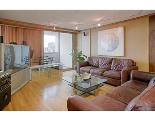 独户住宅 为 出租 在 77 Pond Avenue 布鲁克莱恩, 02445 美国