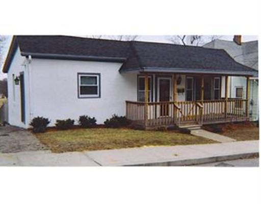 Частный односемейный дом для того Продажа на 16 Rayner Street 16 Rayner Street Blackstone, Массачусетс 01504 Соединенные Штаты