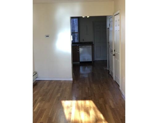 Casa Unifamiliar por un Alquiler en 68 Webster Street Boston, Massachusetts 02128 Estados Unidos