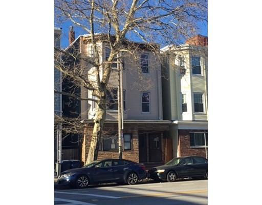 多户住宅 为 销售 在 134 Chelsea Street 波士顿, 马萨诸塞州 02128 美国