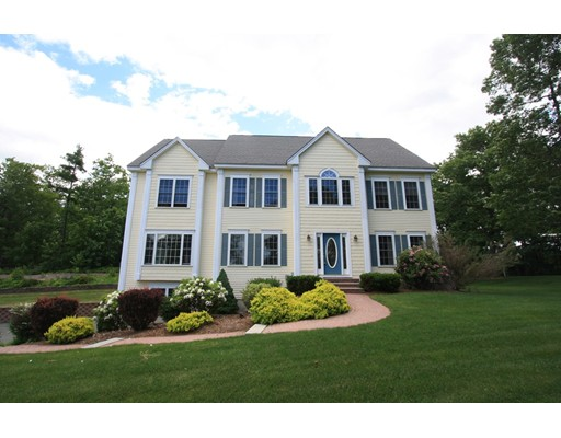 Single Family Home for Sale at 11 Long Hill Road 11 Long Hill Road Hollis, New Hampshire 03049 United States