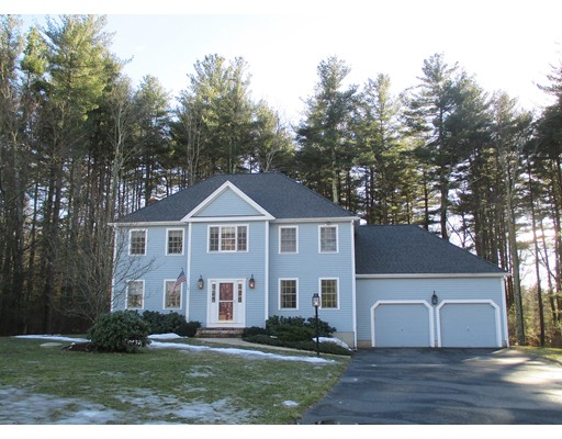 Maison unifamiliale pour l Vente à 14 Joseph Circle 14 Joseph Circle Bellingham, Massachusetts 02019 États-Unis