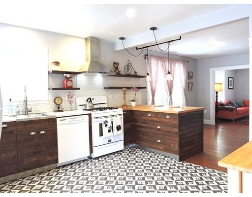 واحد منزل الأسرة للـ Sale في 17 Edgemont Road 17 Edgemont Road Braintree, Massachusetts 02184 United States