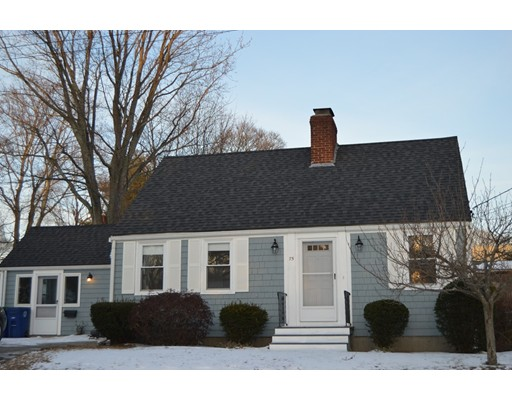 独户住宅 为 销售 在 75 Blanchard Blvd 75 Blanchard Blvd Braintree, 马萨诸塞州 02184 美国