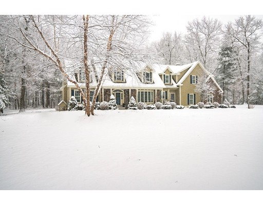واحد منزل الأسرة للـ Sale في 27 Pine Ridge Road 27 Pine Ridge Road Westford, Massachusetts 01886 United States