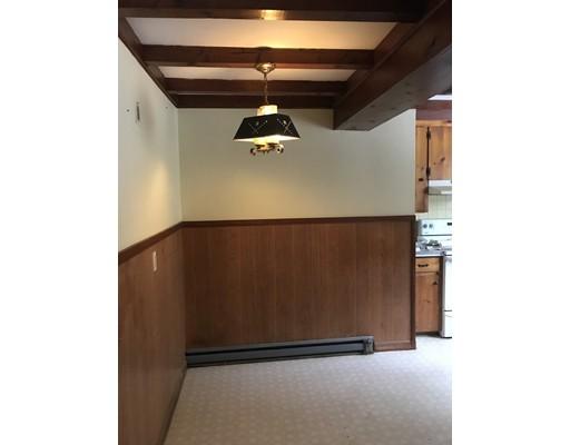公寓 为 出租 在 136 Peach Hill #1 136 Peach Hill #1 Berlin, 马萨诸塞州 01503 美国