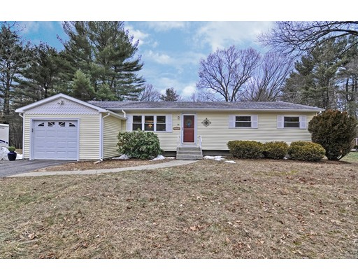 Single Family Home for Sale at 58 Westfield Drive 58 Westfield Drive Holliston, Massachusetts 01746 United States