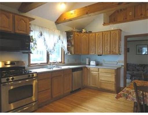 Частный односемейный дом для того Продажа на 101 Muron 101 Muron Bellingham, Массачусетс 02019 Соединенные Штаты