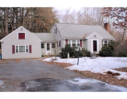 Single Family Home for Sale at 95 Concord Road 95 Concord Road Chelmsford, Massachusetts 01824 United States