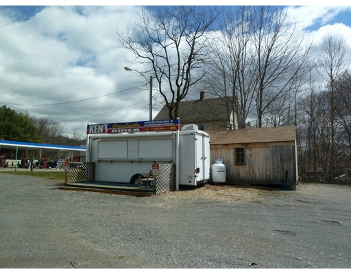 Commercial للـ Sale في 24 French King Highway 24 French King Highway Gill, Massachusetts 01354 United States