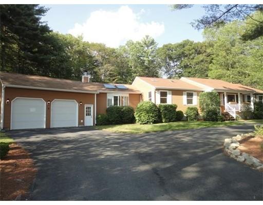 独户住宅 为 销售 在 567 Mohawk Drive Fall River, 马萨诸塞州 02722 美国