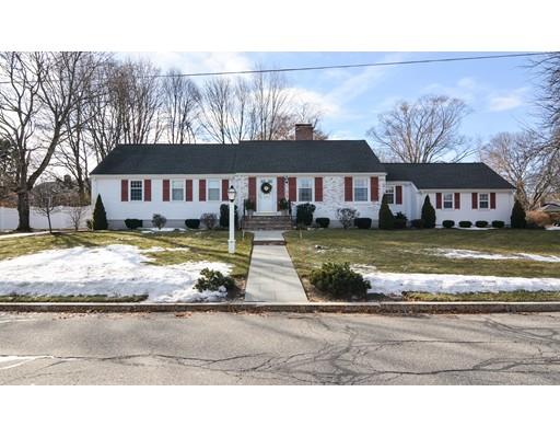Частный односемейный дом для того Продажа на 28 Taft Drive 28 Taft Drive Winchester, Массачусетс 01890 Соединенные Штаты
