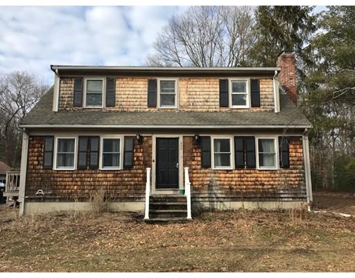 Single Family Home for Sale at 303 Highland Street 303 Highland Street East Bridgewater, Massachusetts 02333 United States