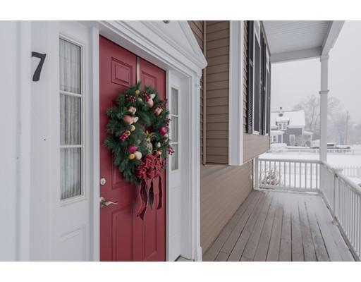 Частный односемейный дом для того Продажа на 7 Lawton Street 7 Lawton Street Haverhill, Массачусетс 01830 Соединенные Штаты