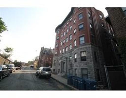 多户住宅 为 销售 在 93 E Park Street 93 E Park Street Springfield, 马萨诸塞州 01105 美国