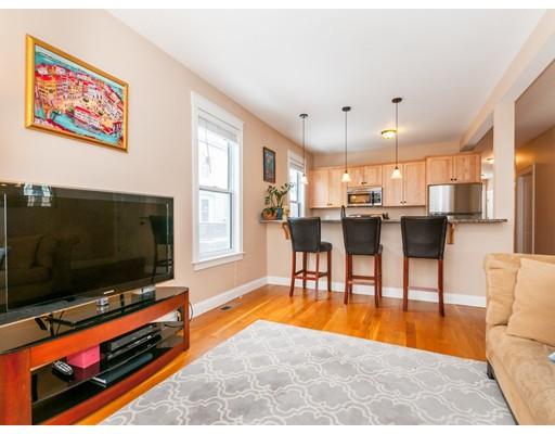 Condominio por un Venta en 24 Swan Pl #A 24 Swan Pl #A Arlington, Massachusetts 02476 Estados Unidos