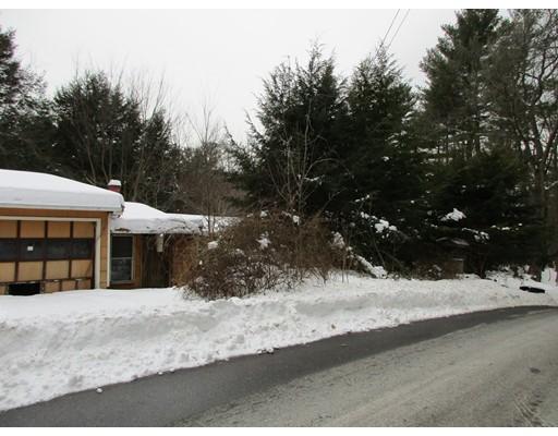 Casa Unifamiliar por un Venta en 57 Warren Wright Road 57 Warren Wright Road Belchertown, Massachusetts 01007 Estados Unidos