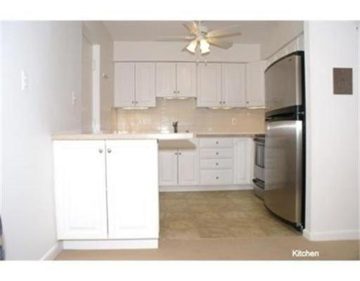 Appartement en copropriété pour l à louer à 33 Paul St #39 33 Paul St #39 Newton, Massachusetts 02459 États-Unis