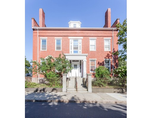 Single Family Home for Rent at 34 S 6Th Street 34 S 6Th Street New Bedford, Massachusetts 02740 United States