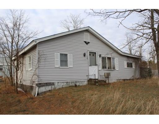 Casa Unifamiliar por un Venta en 98 Rhode Island Road 98 Rhode Island Road Taunton, Massachusetts 02718 Estados Unidos