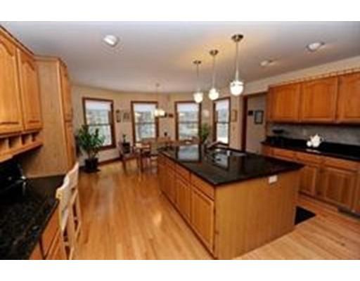 Casa Unifamiliar por un Venta en 166 Wildflower Drive 166 Wildflower Drive Amherst, Massachusetts 01002 Estados Unidos