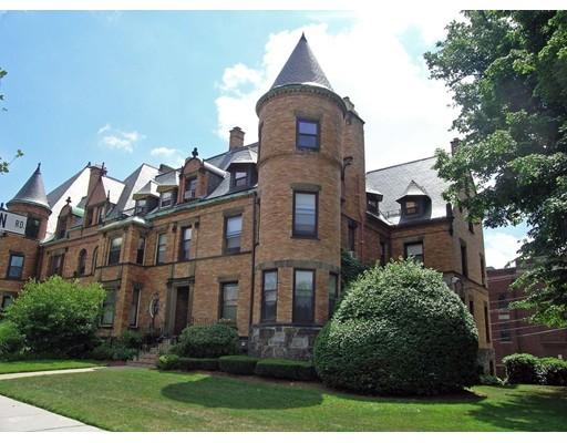 独户住宅 为 出租 在 1763 Beacon 布鲁克莱恩, 马萨诸塞州 02445 美国