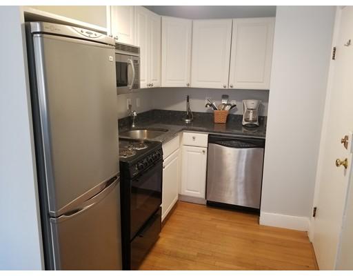 Casa Unifamiliar por un Alquiler en 61 Hancock Boston, Massachusetts 02114 Estados Unidos