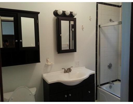 独户住宅 为 出租 在 208 Allston Street 波士顿, 马萨诸塞州 02135 美国