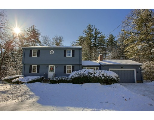 Single Family Home for Sale at 16 Jonathan Lane 16 Jonathan Lane Chelmsford, Massachusetts 01824 United States