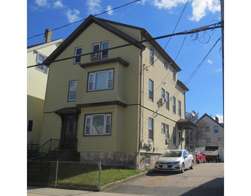Maison avec plusieurs logements pour l Vente à 156 Kilburn Street 156 Kilburn Street Fall River, Massachusetts 02724 États-Unis