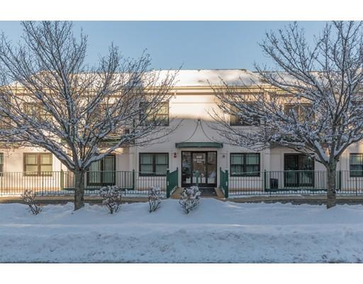 شقة بعمارة للـ Sale في 558 East Merrimack Street 558 East Merrimack Street Lowell, Massachusetts 01852 United States