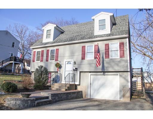 Maison unifamiliale pour l Vente à 73 Mann Street 73 Mann Street Lawrence, Massachusetts 01841 États-Unis