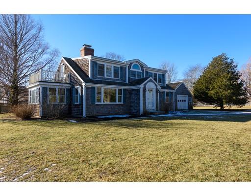 واحد منزل الأسرة للـ Sale في 581 Shore Road 581 Shore Road Chatham, Massachusetts 02633 United States