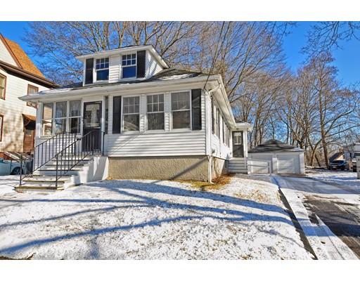 Частный односемейный дом для того Продажа на 64 Grafton Street 64 Grafton Street Brockton, Массачусетс 02301 Соединенные Штаты