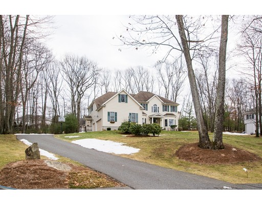Single Family Home for Sale at 31 Old Cart Path 31 Old Cart Path Holliston, Massachusetts 01746 United States
