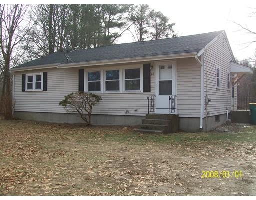 Casa Unifamiliar por un Alquiler en 60 Paine Road 60 Paine Road North Attleboro, Massachusetts 02760 Estados Unidos