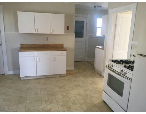 Apartamento por un Alquiler en 71 Notre Dame St #1 71 Notre Dame St #1 Westfield, Massachusetts 01085 Estados Unidos