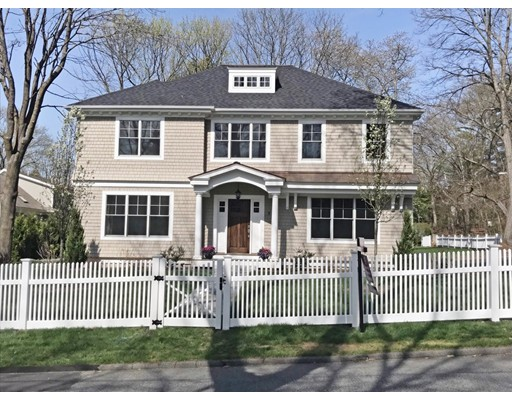 Single Family Home for Sale at 92 Dover Road 92 Dover Road Wellesley, Massachusetts 02482 United States