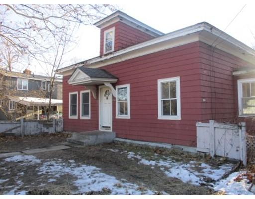 Maison unifamiliale pour l Vente à 238 Wanoosnoc Road 238 Wanoosnoc Road Fitchburg, Massachusetts 01420 États-Unis