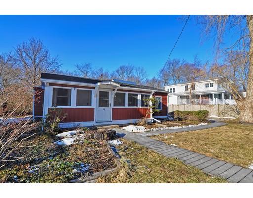 Maison unifamiliale pour l Vente à 16 Furbush Road 16 Furbush Road Nahant, Massachusetts 01908 États-Unis