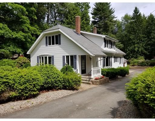 Maison unifamiliale pour l Vente à 491 Springfield Street 491 Springfield Street Wilbraham, Massachusetts 01095 États-Unis
