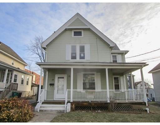 متعددة للعائلات الرئيسية للـ Sale في 35 3Rd Avenue 35 3Rd Avenue Woonsocket, Rhode Island 02895 United States
