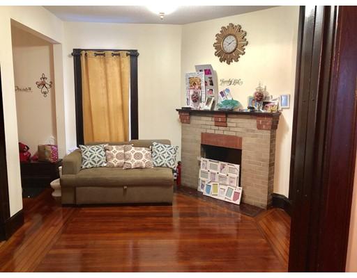 Частный односемейный дом для того Продажа на 517 Dickinson Street 517 Dickinson Street Springfield, Массачусетс 01108 Соединенные Штаты